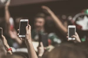 mobile-5 modi per migliorare la user experience-aroundigital
