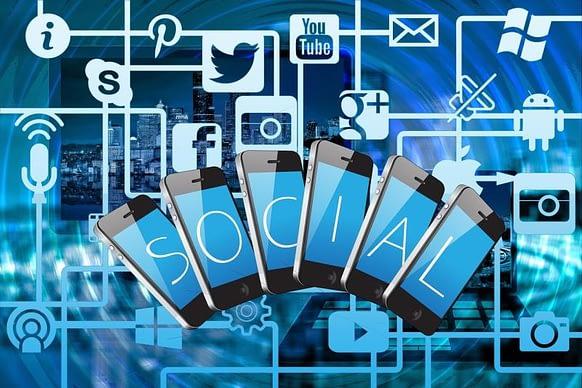 """Cosa sono le """"customer community"""" e quale ruolo giocano in una strategia di marketing? aroundigital"""