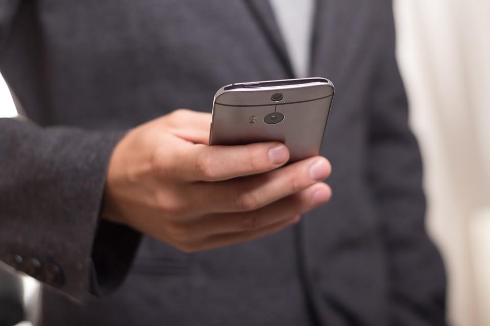 Internet Mobile: il 57% degli italiani preferisce il web alle app